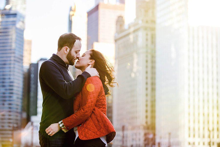 Winter Chicago engagement / Nina & Michael