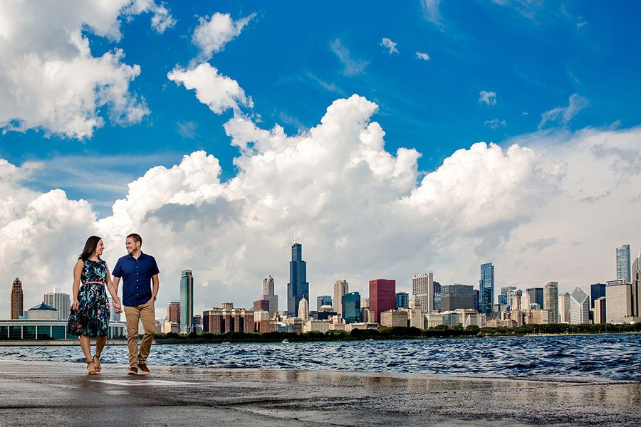 Engagement photographer in Chicago / Linda & Phil