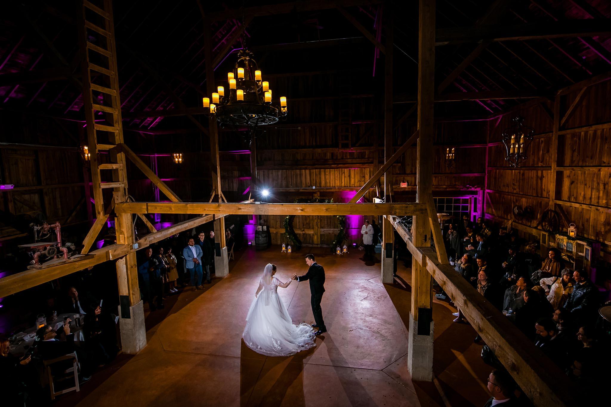 barn wedding chicago
