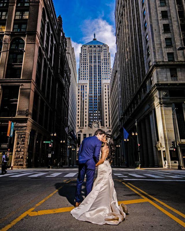 Photo by Milan #engagementphotos #chicagoweddingphotographer #chicagoengagementphotography #mywedd #wsphotography #artweddingphotography #documentarywedding #chicagowedding #theknot #weddingwire # #beautifulbride #artportrait #engagementchicago #chicagoengagement #engagementshooting #luxorywedding #thecordinatedbride #realwedding #fearlessphoto #weddingphoto #chicagonightphotography