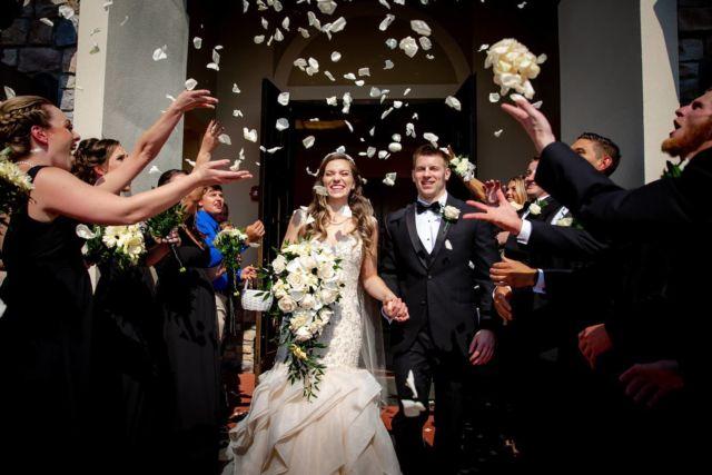 Photo by Tamara #chicagoweddingphotographer #mywedd #wsphotography #artweddingphotography #documentarywedding #chicagowedding #theknot #weddingwire # #beautifulbride #artportrait #weddingportraits #weddingflowers #brideandgroom #elegantwedding #luxorywedding #thecordinatedbride #realwedding #fearlessphoto #weddingphoto #chicagonightphotography #artportrait #weddingwire #theknot #wsphotography.us #twomannstudios @wsphotography.us #chicagobrides #skybride #agwpja #napervilleweddingphotography #elginwedding  #burridgewedding❤️ #indiangroom #indianreception chicagoindianwedding